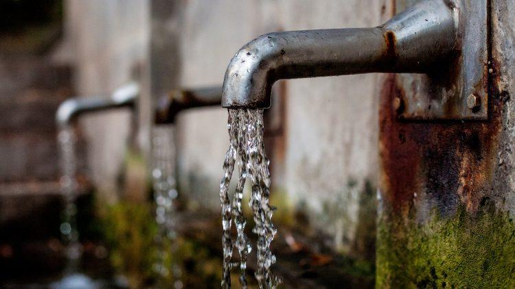 Eau 2. Système de transformation de l'eau salée en eau potable peut changer la vie de 3 milliards de personnes
