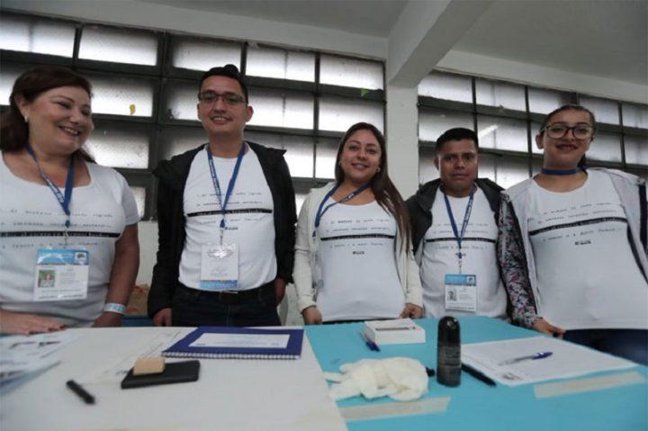 Con llamados a evitar la violencia, guatemaltecos acuden a las urnas