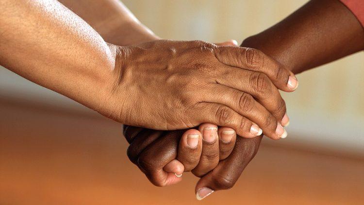 Un regard humaniste sur le bien naître et le bien mourir