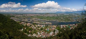 Τιμημένοι με Νόμπελ γιατροί προειδοποιούν για τις συνέπειες της στρατιωτικής έντασης στο Κασμίρ