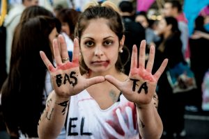 Punir sem encarcerar: como responsabilizar autores de violência contra a mulher