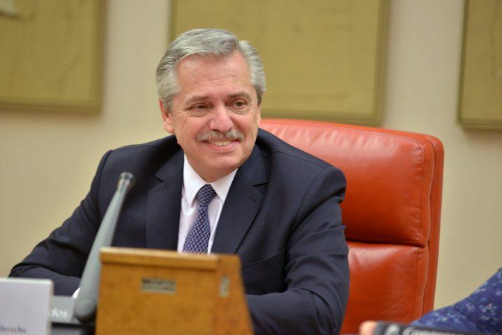 Alberto Fernández habla en el Congreso de los Diputados español sobre relaciones entre América Latina y UE