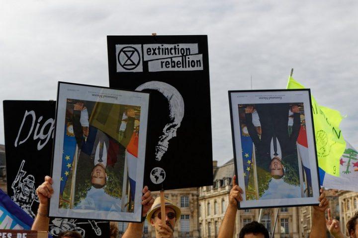 ANV-COP21 «Décrochons Macron !»