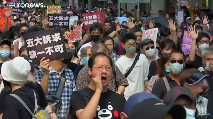Apesar de proibição, violentos protestos são registrados em Hong Kong