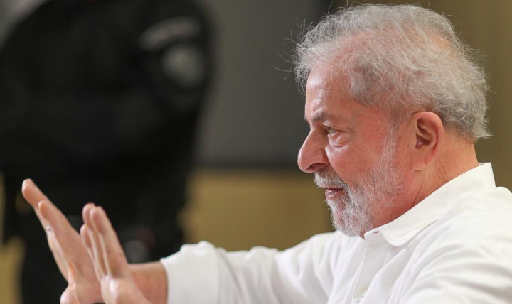 Brasile. L'ex presidente Lula parla alla nazione
