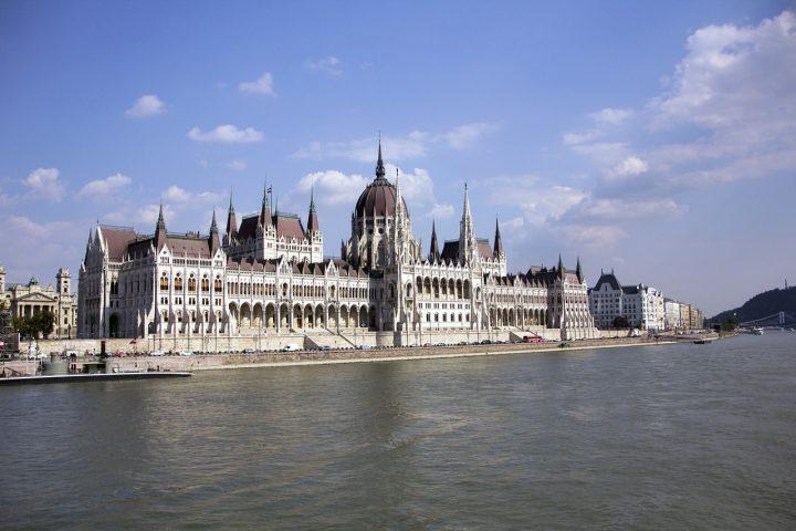 Ungheria: Il premier Orbán vuole che le famiglie facciano tre figli