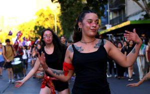 Indignación y resistencia noviolenta: familiares de desaparecidos, feministas y ambientalistas con Greta