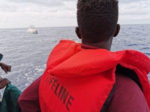 Autorizzato lo sbarco dei migranti salvati dalle navi Eleonore e Mare Jonio
