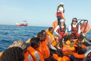 182 persone ancora bloccate a bordo dell'Ocean Viking