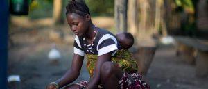 ¿Conseguirá Sierra Leona revocar la ley que prohíbe asistir a la escuela a las madres adolescentes?