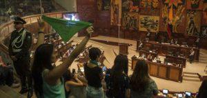 Asamblea Nacional de Ecuador votará este miércoles 18 la despenalización del aborto por violación