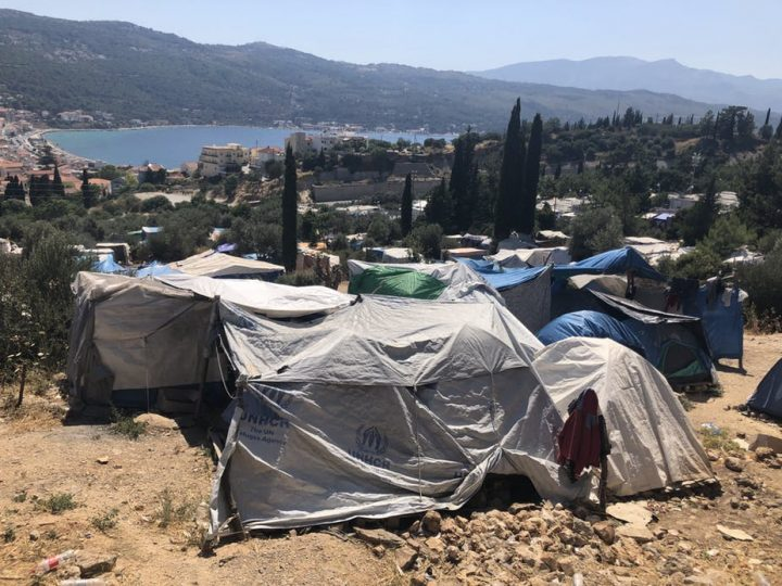 More refugees arrive on Greek islands amid overcrowding and water shortages