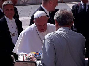 Η Παγκόσμια Πορεία για την Ειρήνη και τη Μηβία στο Βατικανό