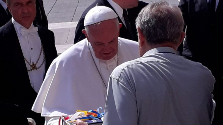 vaticano Papa Francesco con Rafael de la Rubia