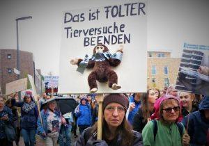 El otorgamiento del premio de investigación sobre protección animal del BMEL (Ministerio Federal de Alimentación y Agricultura de Alemania) y del LPT (Laboratorio de Farmacología y Toxicología) en Hamburgo: ¡una burla a secas!