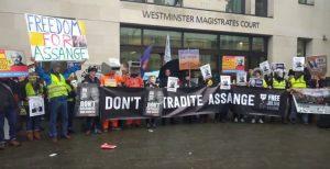 Soutien à Julien Assange à Londres