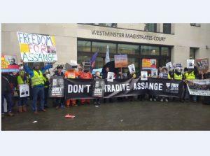 Apoyo a Julian Assange en Londres