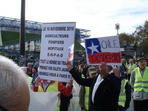 Zusammenschluss in Paris – Manifestation der Gelbwesten und Unterstützung für das chilenische Volk