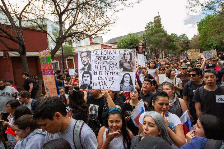 DANIELA ANOMARr-chile-santiago-octubre-201916062013-IMG_0035 (12)