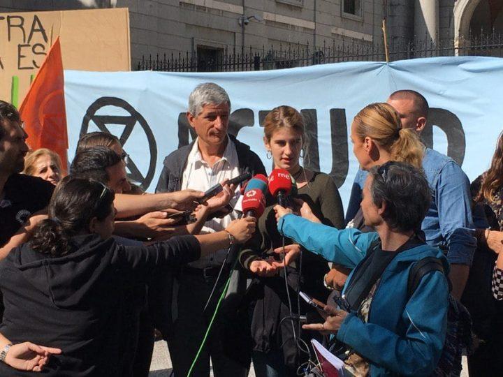 La acampada climática vigilará la exigencia de medidas urgentes frente a la emergencia ecológica