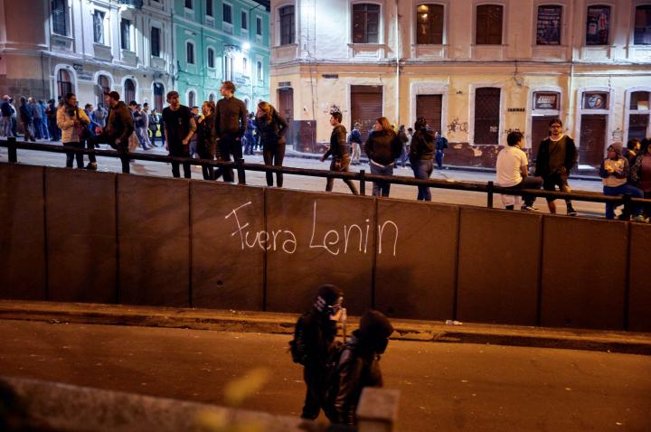 Ecuador: cortei a Quito, il presidente si trasferisce a Guayaquil. Proteste continuano nonostante proclamazione stato di emergenza
