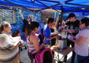 Chile: la olla común de los vecinos de La Victoria
