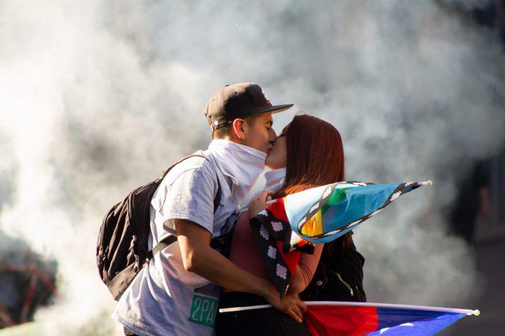 Cile, verso La Moneda: ciò che i media non mostrano