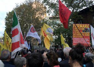 Seimila persone al presidio di solidarietà con il popolo curdo a Milano