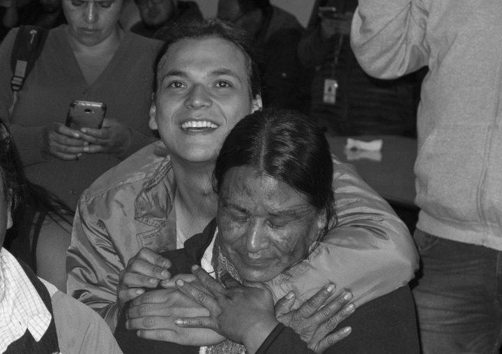 Rostros al cierre de los diálogos en Quito: un homenaje