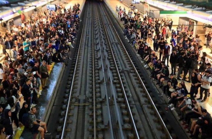Chile. Ante la lucha por la tarifa social del transporte público, Piñera impone estado de emergencia