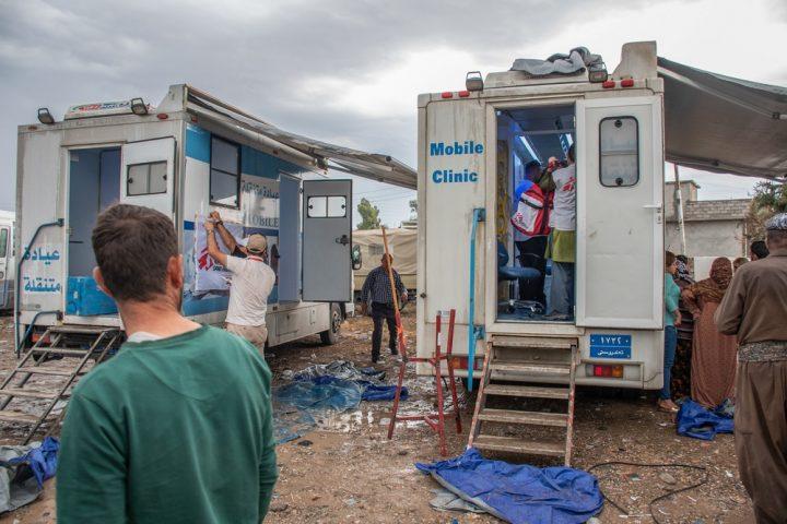 Siria/Iraq: MSF avvia attività mediche al confine per le persone in fuga dal conflitto
