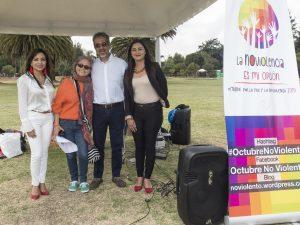 Acto de apertura de Octubre NoViolento en Quito