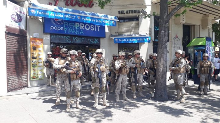 """Chile Tomás Hirsch: """"You can't dialogue whilst the military are on the streets""""."""