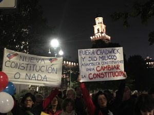"""Milano, presidio di solidarietà davanti al consolato cileno: """"Non è guerra, è dignità"""""""