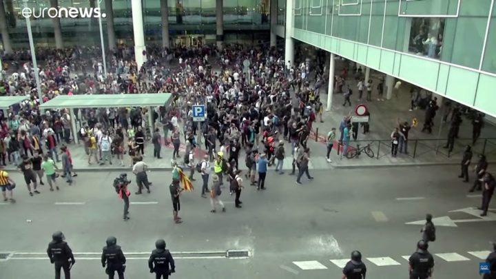 Protestos se espalham pela Catalunha após condenação de separatistas