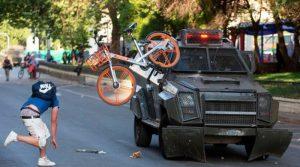 """Cile: Amnesty parla di """"politica deliberata del governo di colpire i manifestanti"""""""