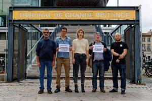 Procès à Bordeaux pour avoir décroché en mairie les portraits du président Macron