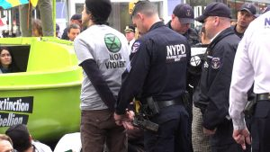 Più di 60 persone arrestate durante le proteste di Extinction Rebellion a New York