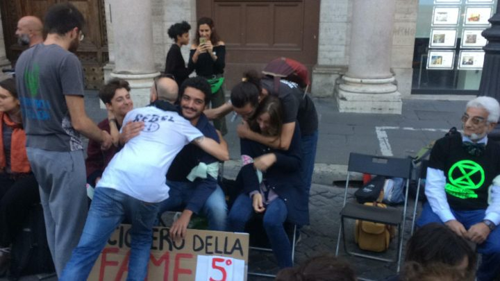 Sostegno agli attivisti di Extinction Rebellion in sciopero della fame