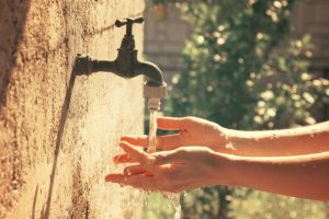 Água #3. Água potável versus Armamento. Humanizar a saúde ou financiar a guerra: o que escolhem os governos?