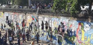 Chile despertó en los grafitti