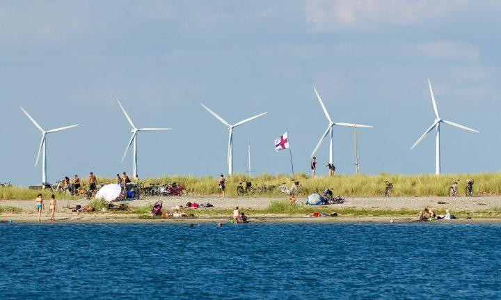La Danimarca verso il 100% di elettricità da energie rinnovabili: un esempio per l'Italia