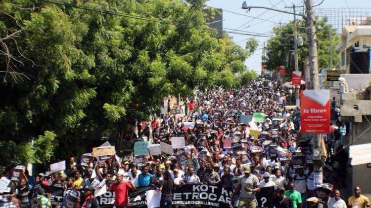 Haïti se réveille : les protestations paralysent le pays