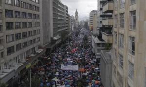 América Latina em movimento: as vias democráticas de resistência na Colômbia