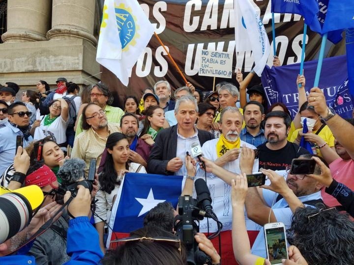 Mario Aguilar: «la mesa de Unidad Social sólo está disponible para que el Gobierno nos escuche, no para negociar»