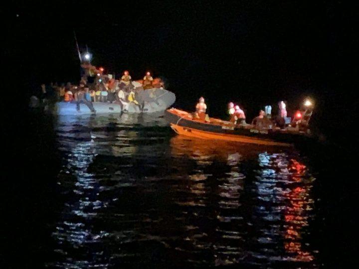 Open Arms salva 73 migranti al largo della Libia