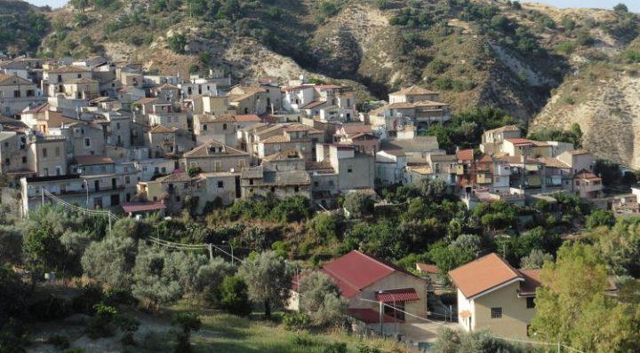 Interview mit Mimmo (Domenico) Lucano in Riace: Solidarisch wirtschaften in Riace