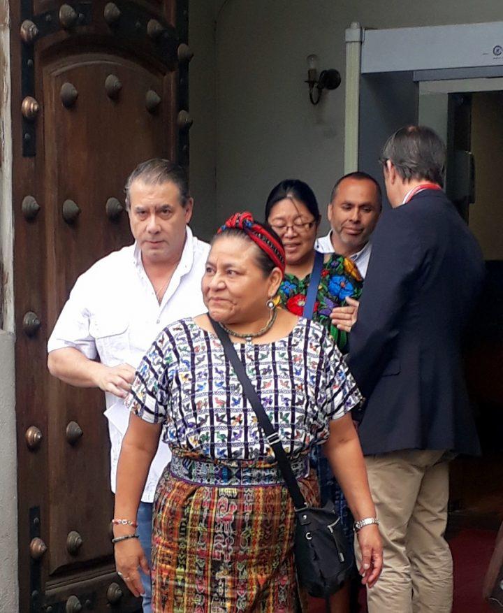 Chili, visite de Rigoberta Menchú en raison de la situation des droits humains