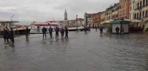Monito al governo: Venezia, basta parole ipocrite e provvedimenti di facciata