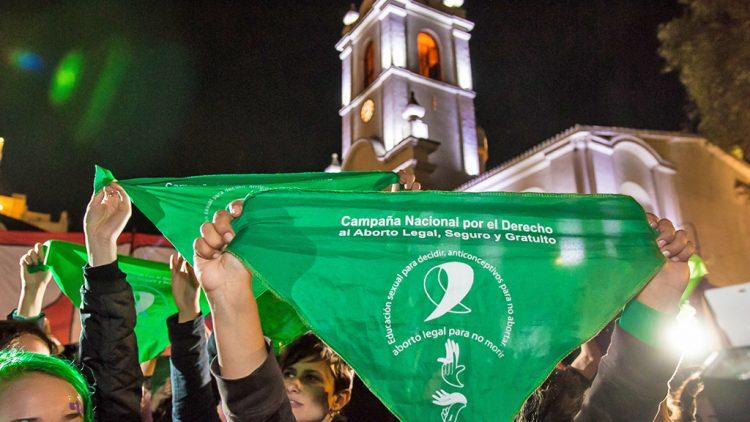 Argentinien legalisiert Abtreibung - historischer Sieg nach jahrzehntelangem Kampf